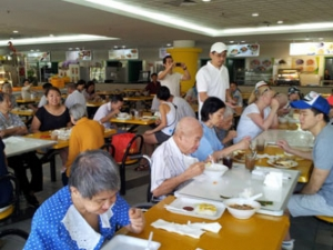 Photo of patrons at a Dignity Kitchen outlet