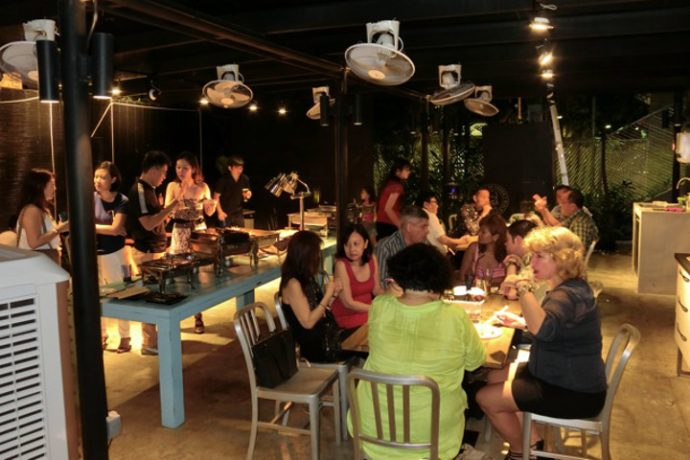 Photo of diners at New Rasa Singapura