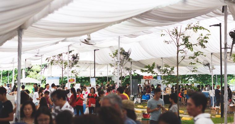 Crowds under the main market tent at the Everyday Folk Market on 23 Apr 2016